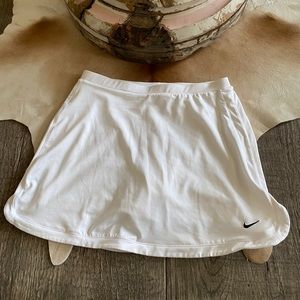 Nike FITDRY White Tennis Skirt w/Attached Shorts